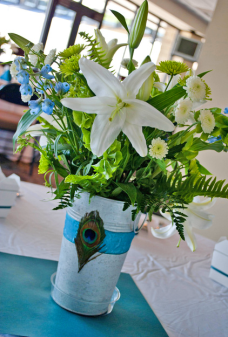 Centerpiece vase arrangement